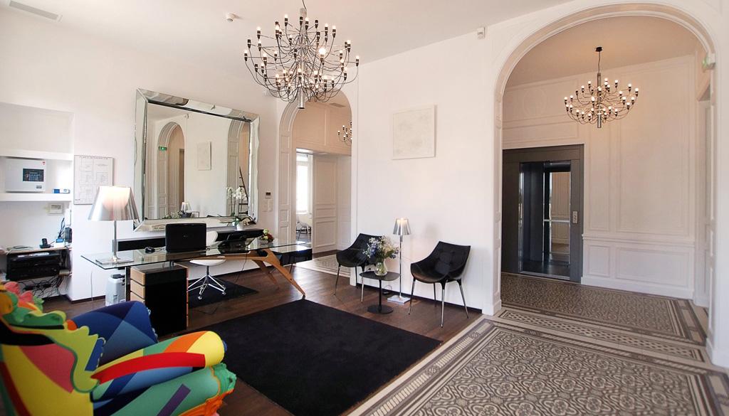 h tel le manoir h tels la rochelle. Black Bedroom Furniture Sets. Home Design Ideas