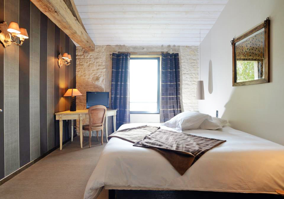 Un Banc au Soleil - Bed and breakfast in Marsilly