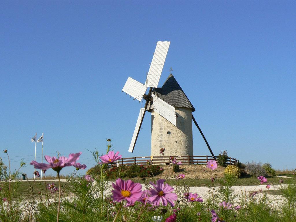 Moulin vent du cluzelet mus e s patrimoine for Piscine du moulin a vent
