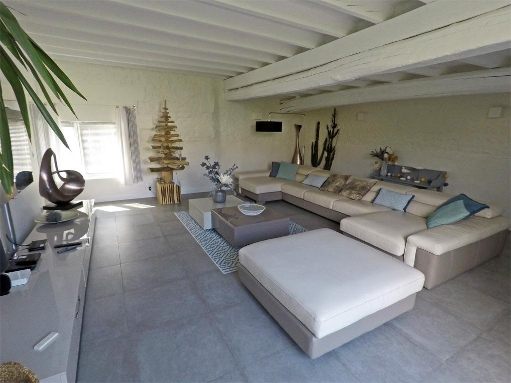 L'immense canapé de l'Albizia