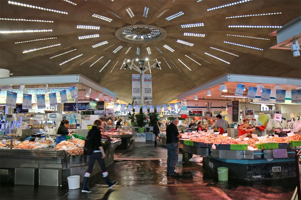 L'intérieur du marché de Royan