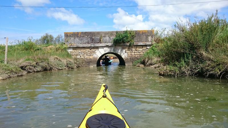 Photo : Location de canoe kayak sur une île