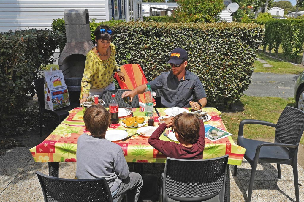 terrasse mobil home camping le maine
